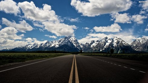road-to-the-mountain-wallpaper-1